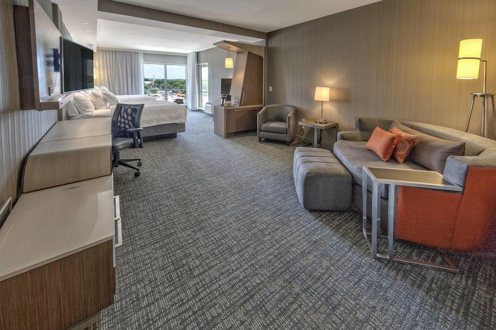 Junior Suite, 2 Queen Beds, Non Smoking - Guest Room