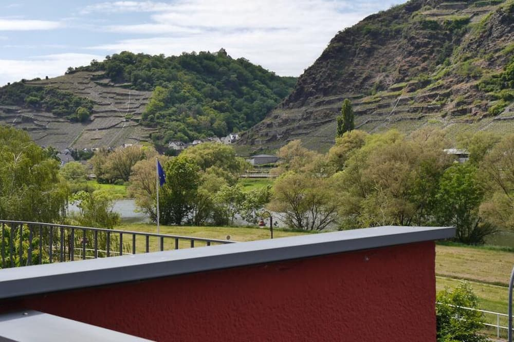 Habitación triple - Vista a la montaña