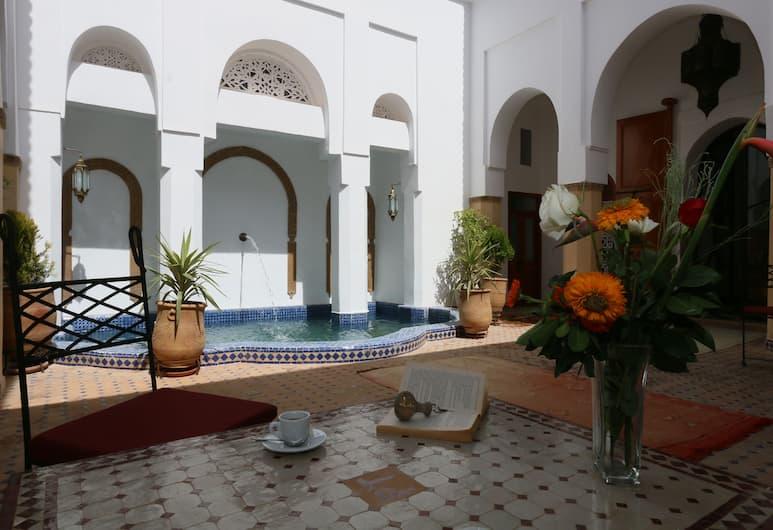 Palais Tinmel, Marrakech, Cour