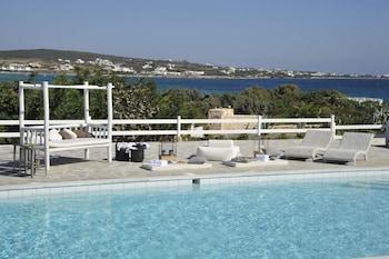 A(z) Ambassador Sea Side Villas hotel fényképe itt: Párosz