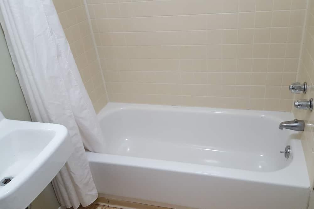客房, 2 間臥室 - 浴室