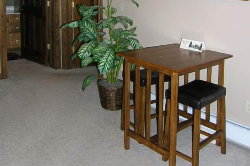 Noble Suite - Living Area