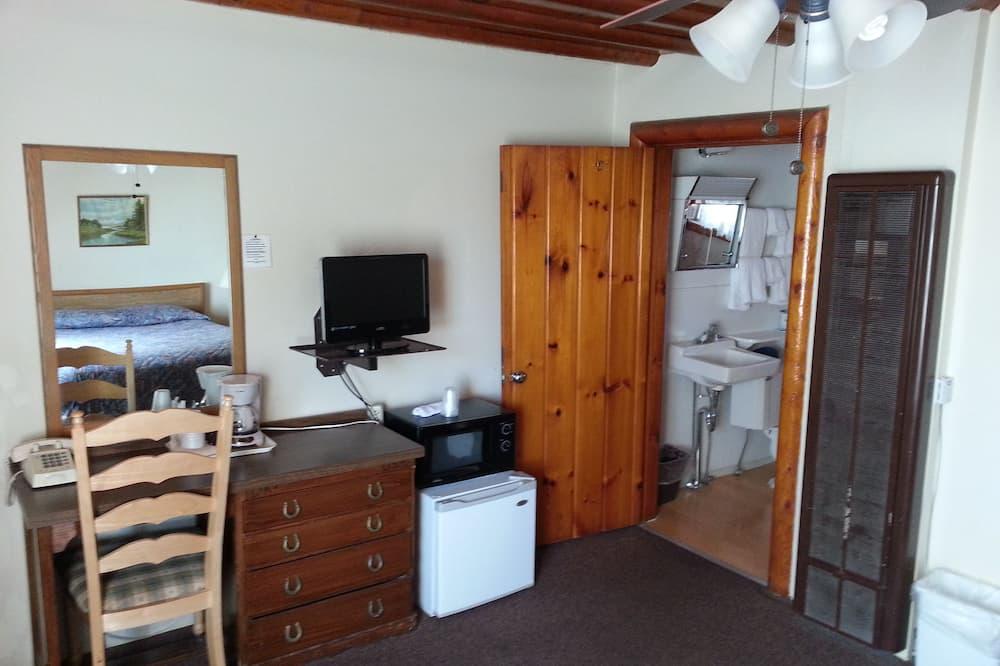 غرفة عادية - سرير كبير - حمّام