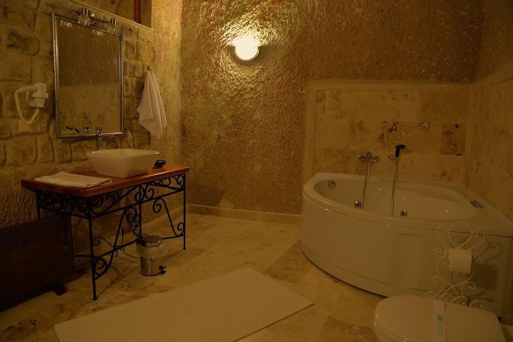 Quarto Deluxe, 1 cama king-size, Banheira de Hidromassagem - Casa de banho
