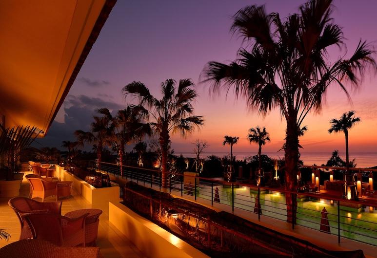 THE UZA TERRACE BEACH CLUB VILLAS, Yomitan, Terrasse/veranda