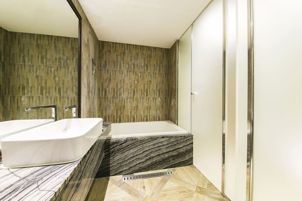 Basic-Zweibettzimmer - Badezimmer