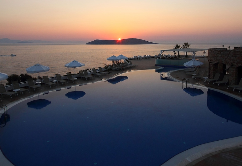 Vega Boutique & Aparts, Bodrum, Outdoor Pool