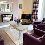 Luxury Apartment, 2 Bedrooms, Ensuite, Sea View - Bilik Rehat