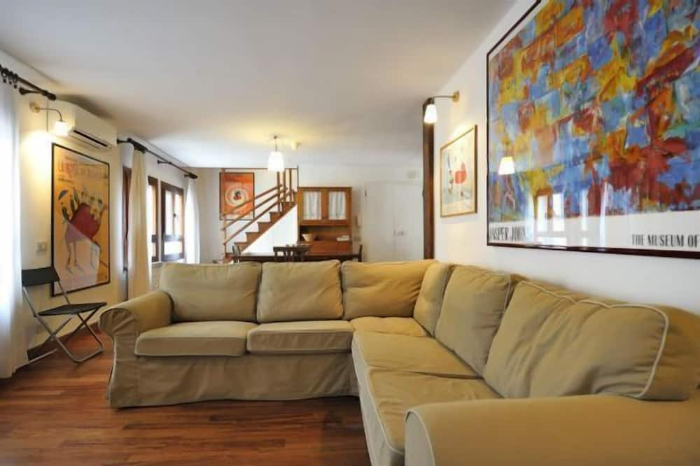 Apartment, 2 Bedrooms, Balcony, City View (Calle Coltrera) - Living Room