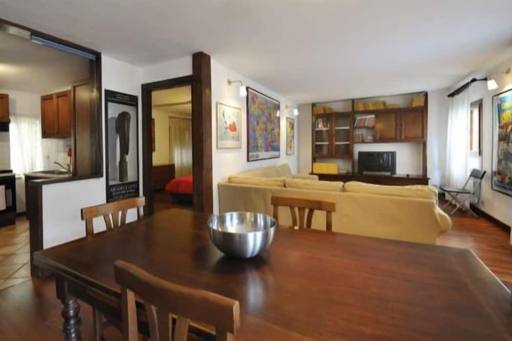 Apartment, 2 Bedrooms, Balcony, City View (Calle Coltrera) - Living Area