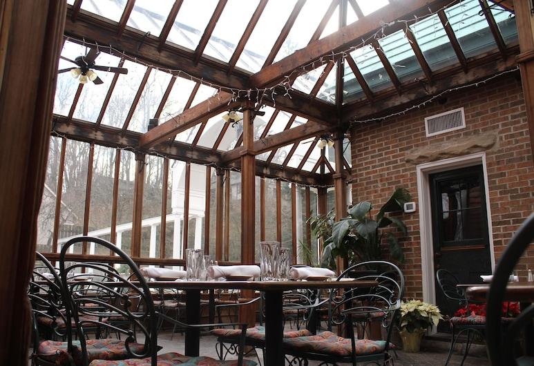 The Buxton Inn, Granville, Dinerruimte buiten
