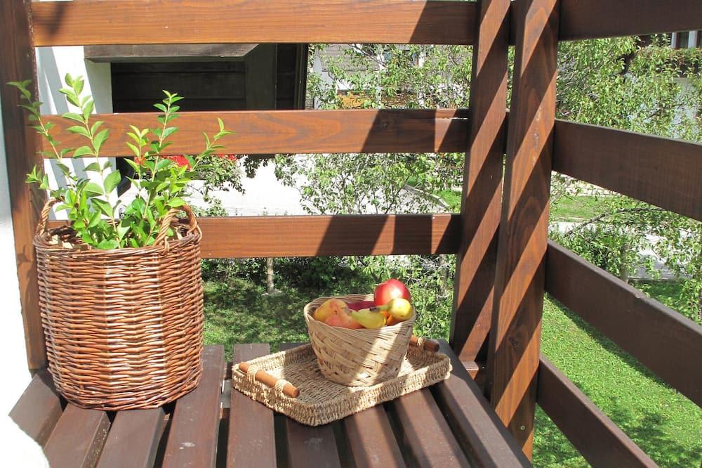 Люкс, мини-кухня, вид на горы - Балкон