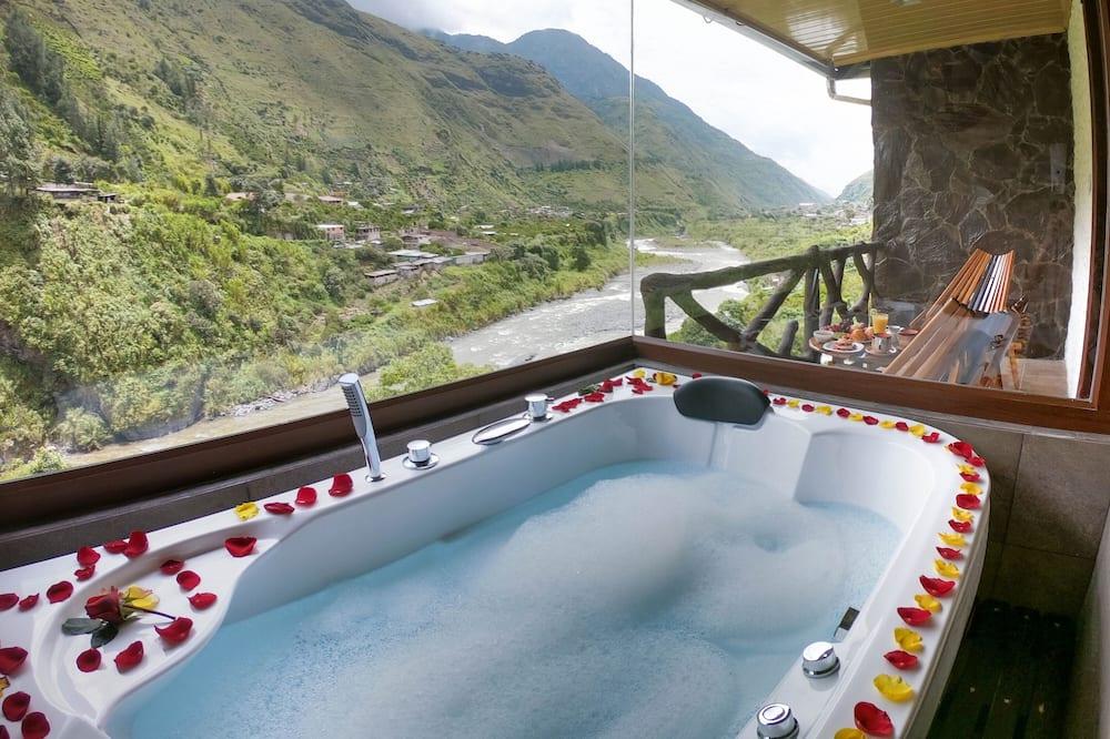 Luxury Suite, 1 Bedroom, Tower - Private spa tub