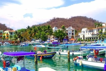 Picture of Canadian Resorts Huatulco in Huatulco
