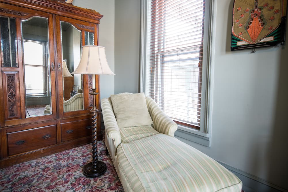 Executive King Suite, 1 King Bed (Historic) - Coin séjour