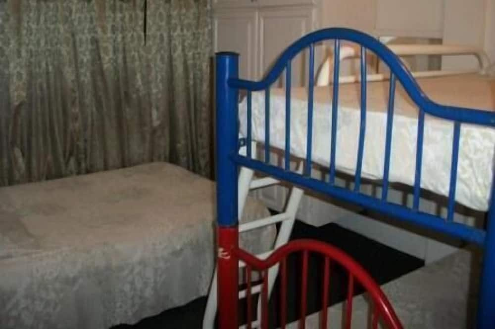 Appartement, 2 chambres, cuisine - Chambre