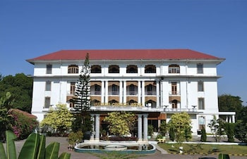 15 Closest Hotels to Tatmadaw Exhibition Hall in Yangon