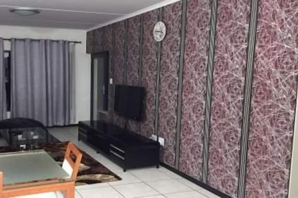 2 Luxurious Bedroom Apartments  - Stue