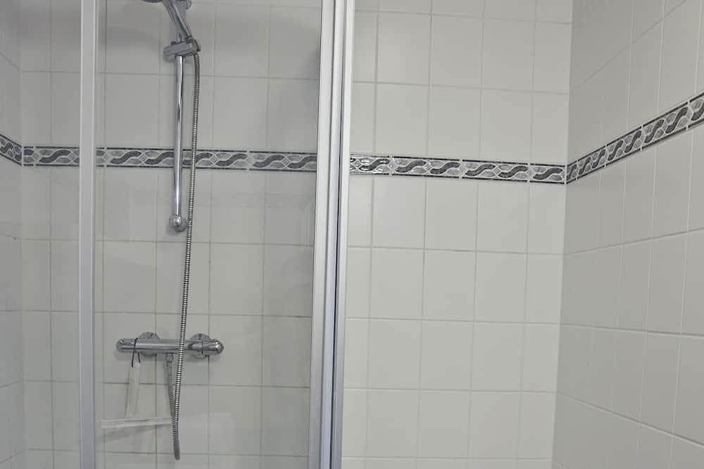 Vienvietis kambarys su patogumais, bendras vonios kambarys - Vonios kambarys