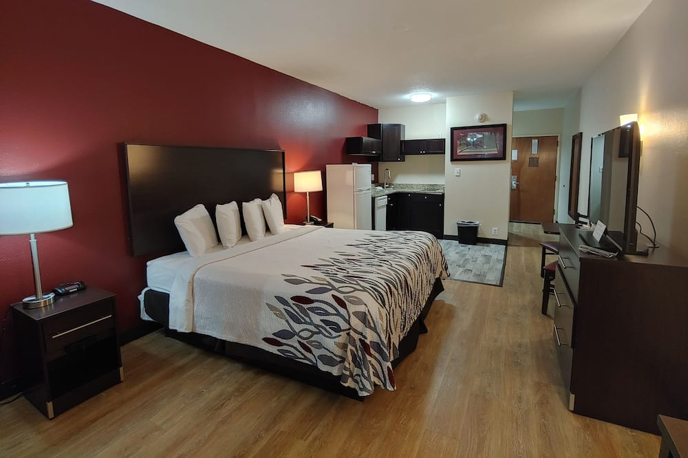 Suite, 1 King Bed, Non Smoking, Kitchen - Guest Room