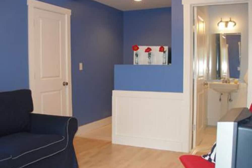 Стандартный коттедж, смежные ванная комната и спальня (06- Bungalow) - Номер