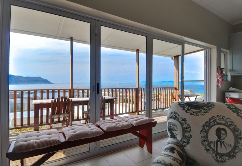 The Grosvenor Guest House, Cape Town, Exclusive House, 4 Bedrooms, Sea View, Living Area