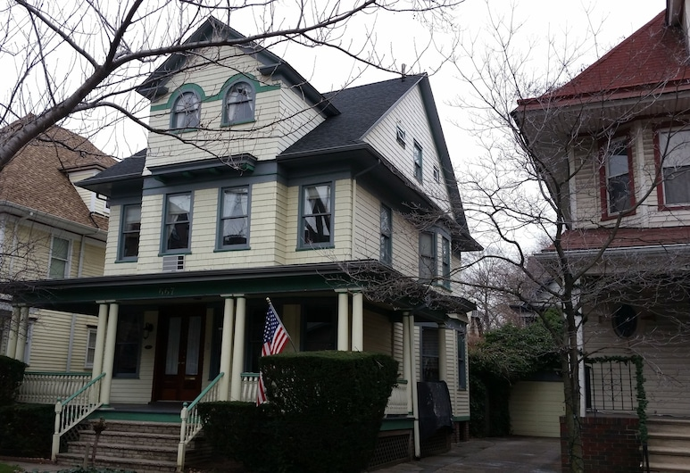 Loralei Bed and Breakfast, Brooklyn, Hotel Front