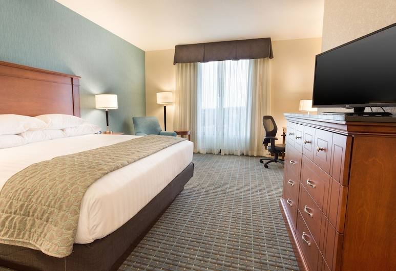 Drury Inn & Suites Burlington, Burlington, Deluxe Room, 1 King Bed, Accessible, Refrigerator & Microwave (Hearing Accessible), Guest Room