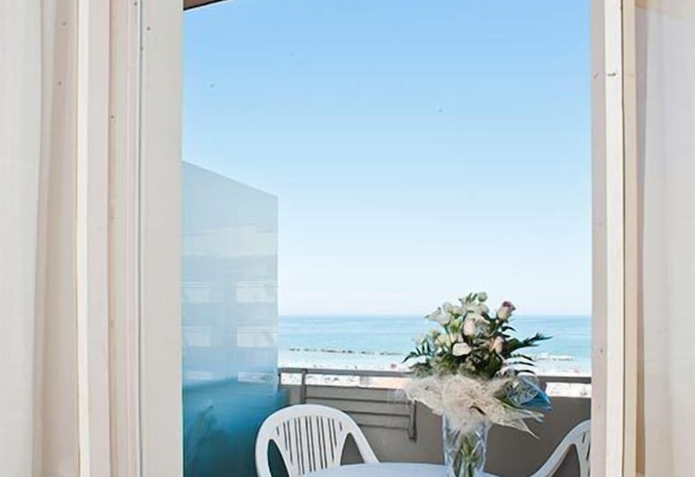 Hotel Atlas, Gabicce Mare, Balkón