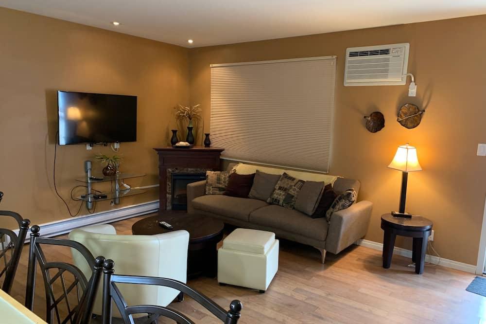 Executive suite (Not pet friendly) - Dnevna soba