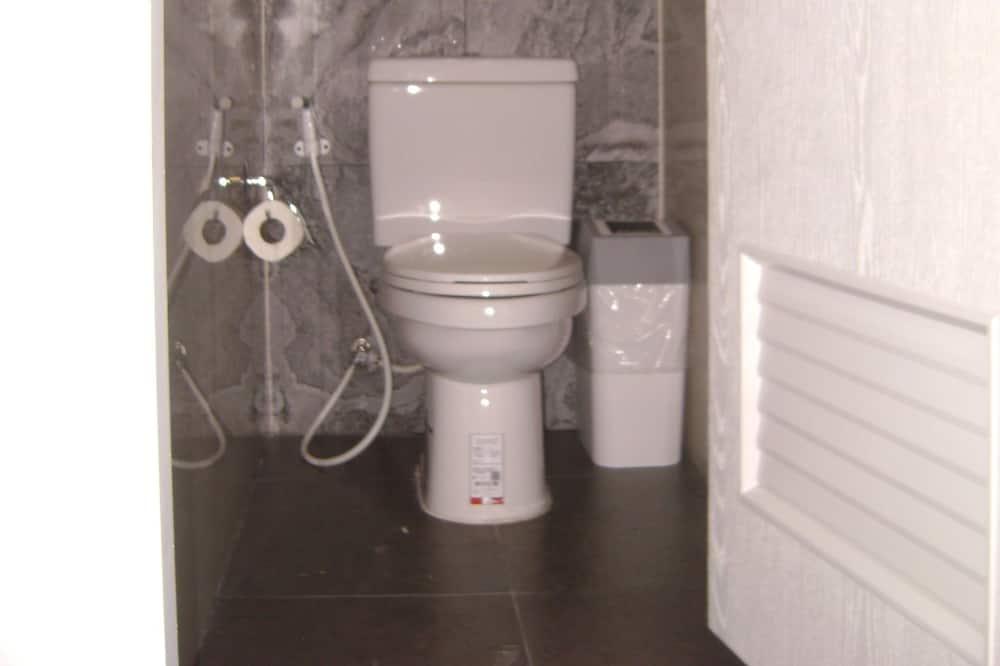 共同ドミトリー 簡易キッチン (Shared Bathroom) - バスルーム