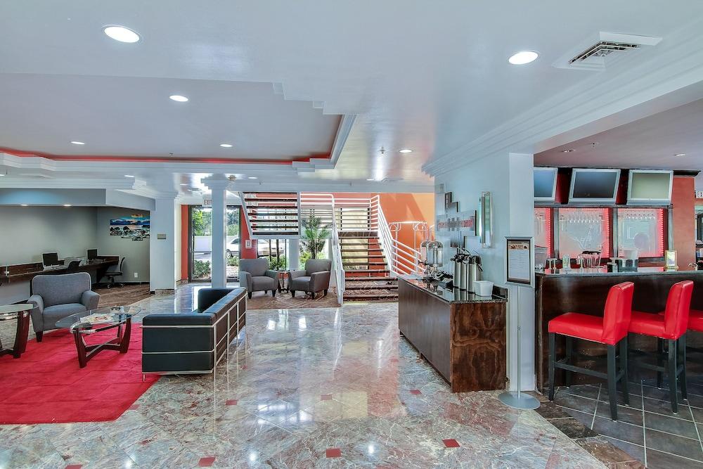 The Link Hotel Fort Lauderdale Interior Entrance