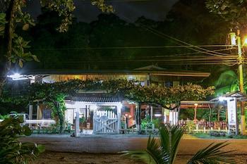Picture of Hotel La Isla Inn in Puerto Viejo