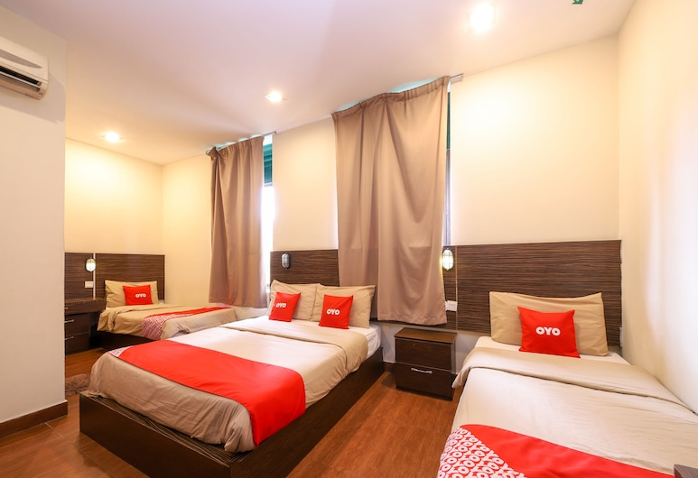 OYO 108 Golden Palace Hotel, Kuala Lumpur, Family Suite, Guest Room