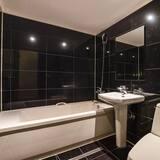Pagerinto tipo dvivietis kambarys (2 viengulės lovos), Kelios lovos - Vonios kambarys