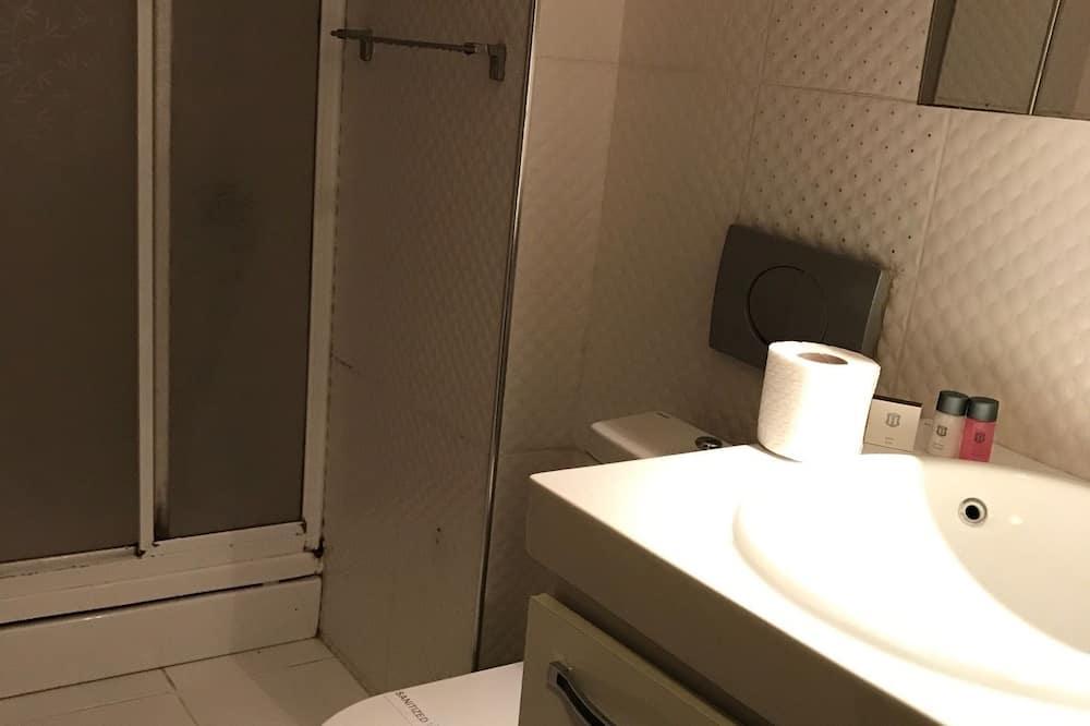 Сімейний чотиримісний номер, 2 спальні, для курців, з видом на море - Ванна кімната
