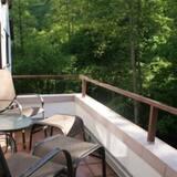 Apartemen Comfort, balkon, pemandangan kebun - Balkon