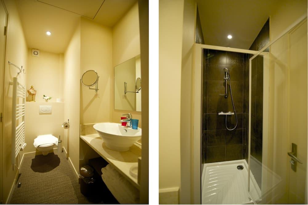 Standard Double Room, 1 Double Bed, Garden View, Ground Floor - Bathroom