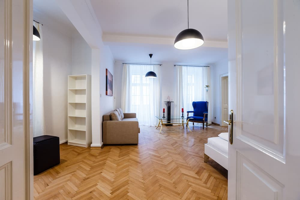 Premium Apartment, 2 Bedrooms (Top 8, incl. cleaning fee ) - Living Area