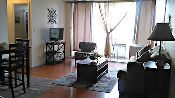 Picture of Renovated one bedroom 2 min to the beach in Honolulu