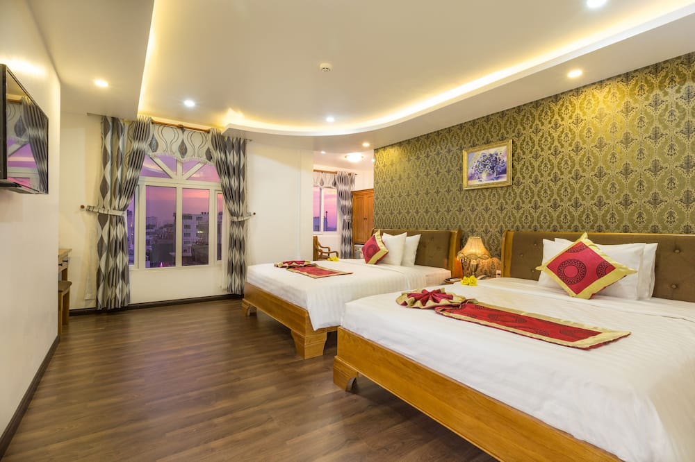 Airport Deluxe Twin Room - City View