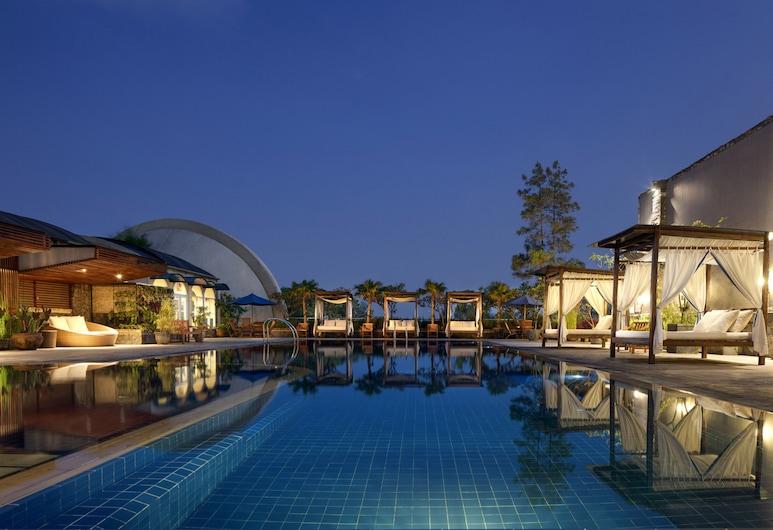 Aryaduta Bandung, Bandung, Bazén