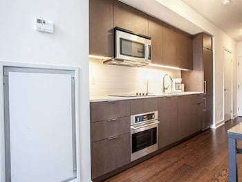 Picture of Pinnacle Suites - Trendy 2-Story Loft offered by Short Term Stays in Toronto