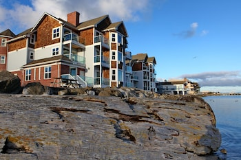 Picture of Tides Inn & Suites in Port Townsend