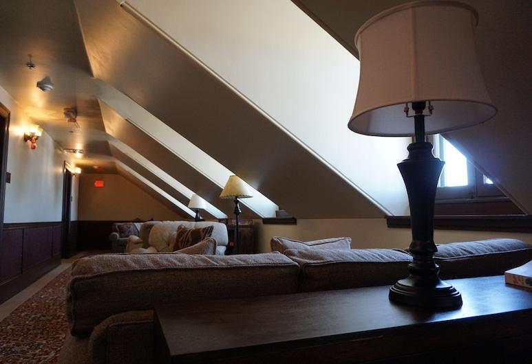 The Historic Sheridan Inn, Sheridan, Vnútorné priestory hotela