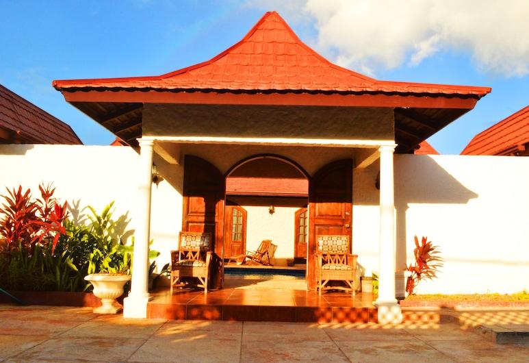Afiba View Villa, Tower Isle, Vista frontal de la propiedad