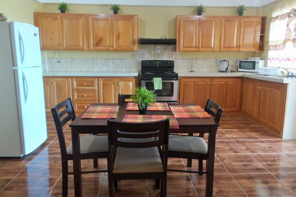 Studio Suite, Kitchenette - In-Room Dining