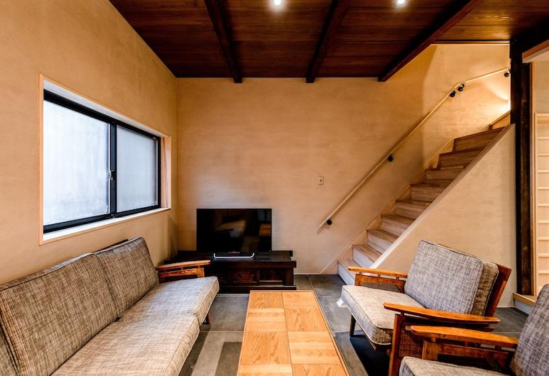 Choya Chawanzaka, Kyoto, Townhome, 3 Bedrooms, Courtyard View, Living Area