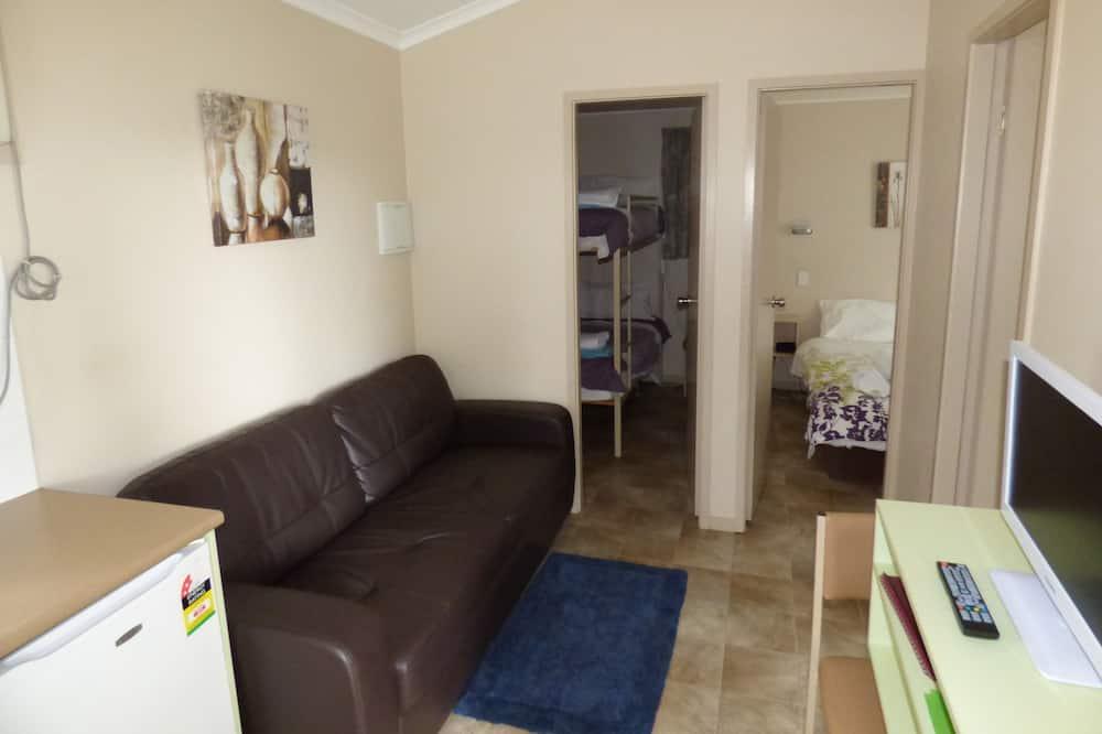 Deluxe Family Ensuite Cabin - Non Pet Friendly - Living Area