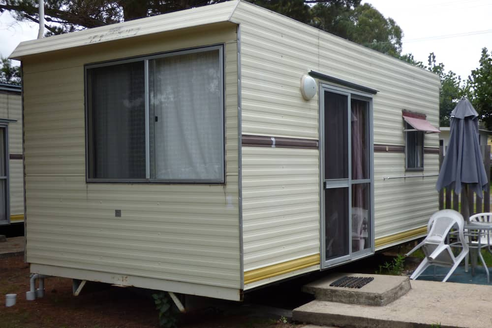 Pet Friendly Cabins Shared Bathroom  - Terrace/Patio
